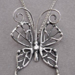 蝶のペンダントトップ
